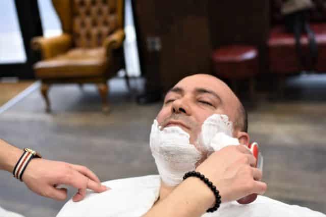 enjabonar barba perfecta en 3 pasos
